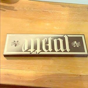 Kat von D Metal/Matte palette, used!